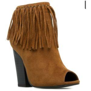 Leila Stone black Eliana bohemian booties size 8.5